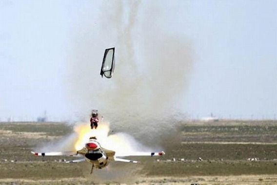 fascinating_pilots_ejections_640_18