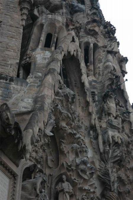 temple_expiatori_de_la_sagrada_familia_in_barcelona_06