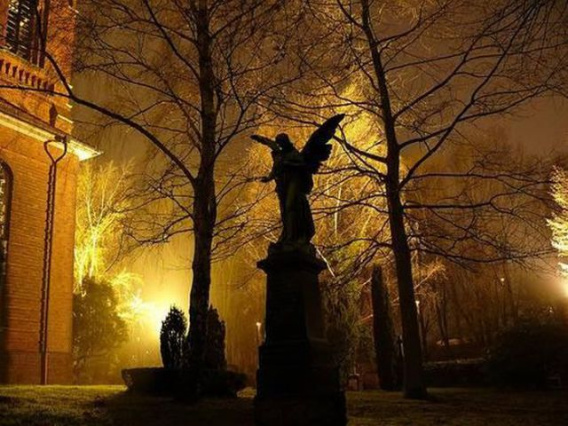 graveyard_scenes_640_19