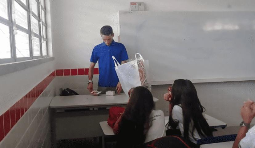 teacher4_e