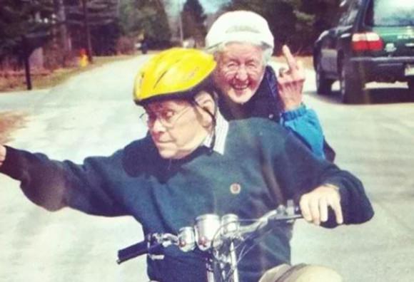 長生きの秘訣はユーモアを忘れないことなのかも。茶目っ気たっぷりなおちゃめなおじいちゃんとおばあちゃんの面白エピソード