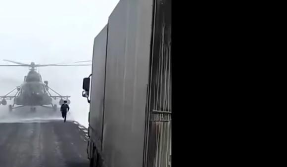 ロシアでは良くあること?ミニに迷った軍用ヘリが道路に下りてきて道をたずねられた事案