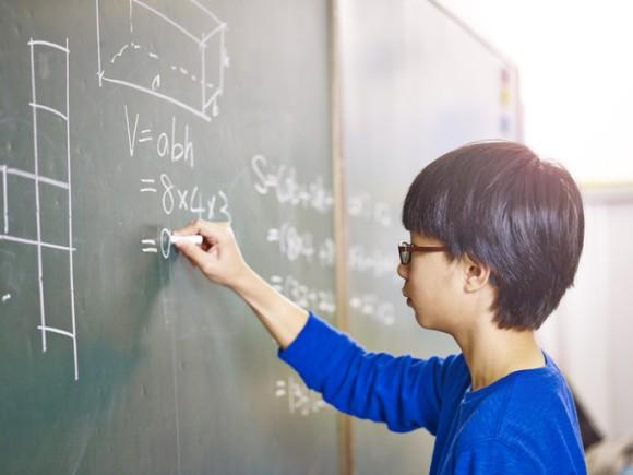 学習は競争ではない。シンガポールの小学校卒業試験の採点方法の見直しが行われる