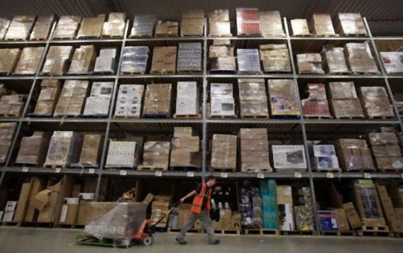 Gigantic-Warehouse-008_e
