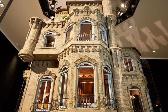 人形の家なのにお値段なんと10億円。世界で最もゴージャスな人形の家「アストラット・ドールハウス・キャッスル
