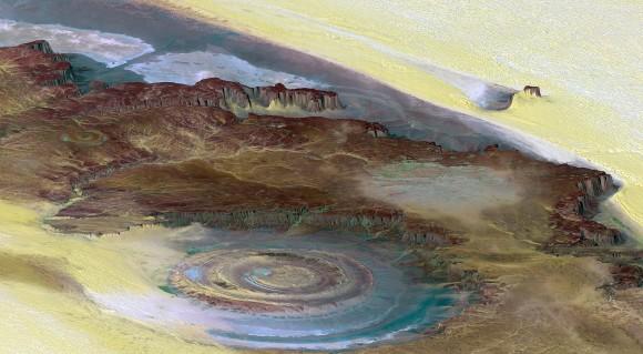 サハラの目と呼ばれるミステリアスなリシャット構造が、「アトランティス」の遺跡であるとする新説が発表される