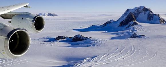 南極の氷床の下に隠されていた火山の数はなんと91!