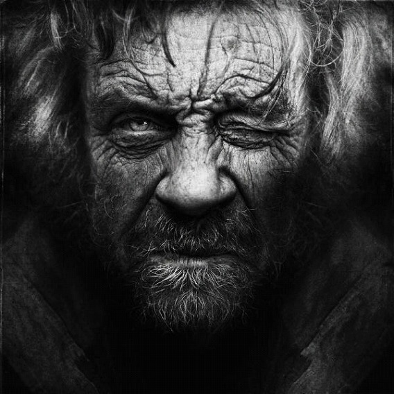 amazing_black_and_white_photos_of_the_homeless_640_12