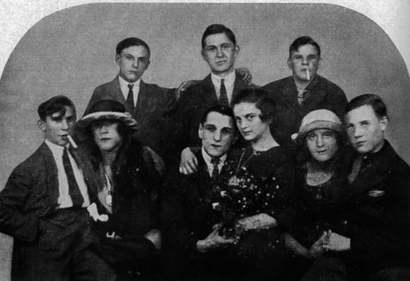 20世紀初頭、トランスジェンダーの人々を守る為に発行されたID、トランスヴェステイト身分証明書(ドイツ)