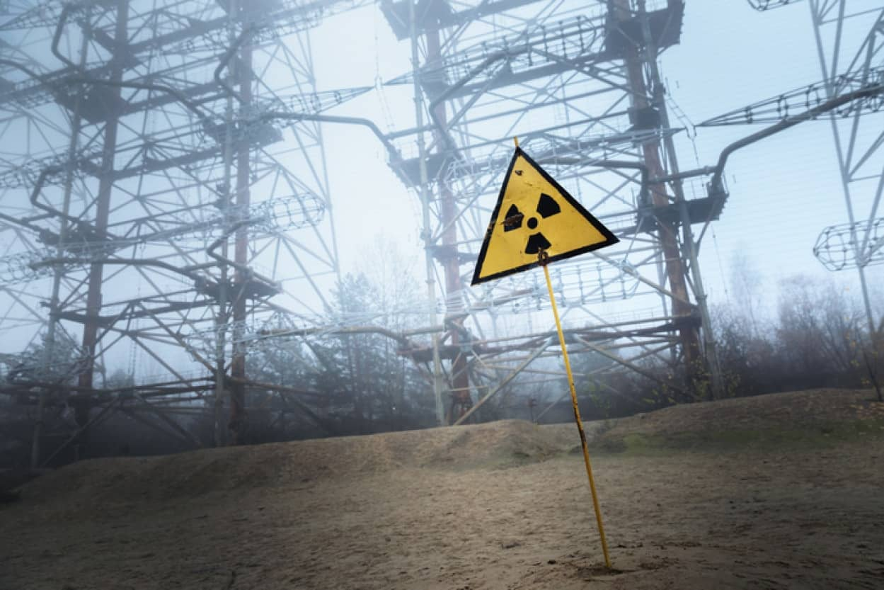 放射線を食べる菌が宇宙旅行者たちを救う