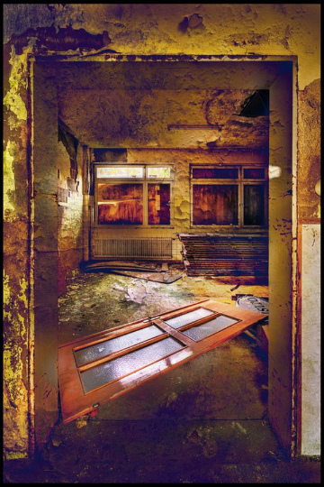 urban_decay_photography_21