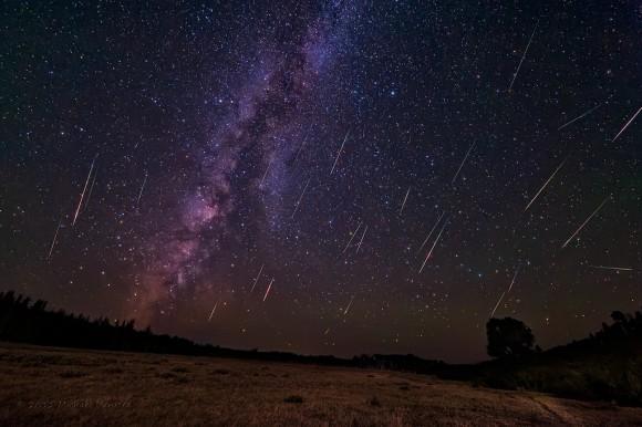 8月13日がピーク!2夜連続で天体ショー観測のチャンス。流星の花火「ペルセウス座流星群」を見逃すな!