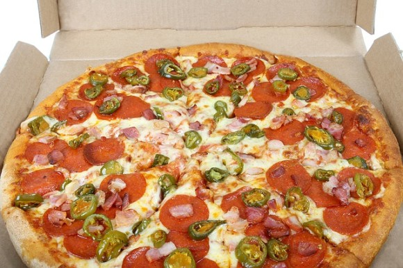 アメリカでは、4分の1以上の配達人が配達途中で顧客の食べ物を盗み食いしていることが判明