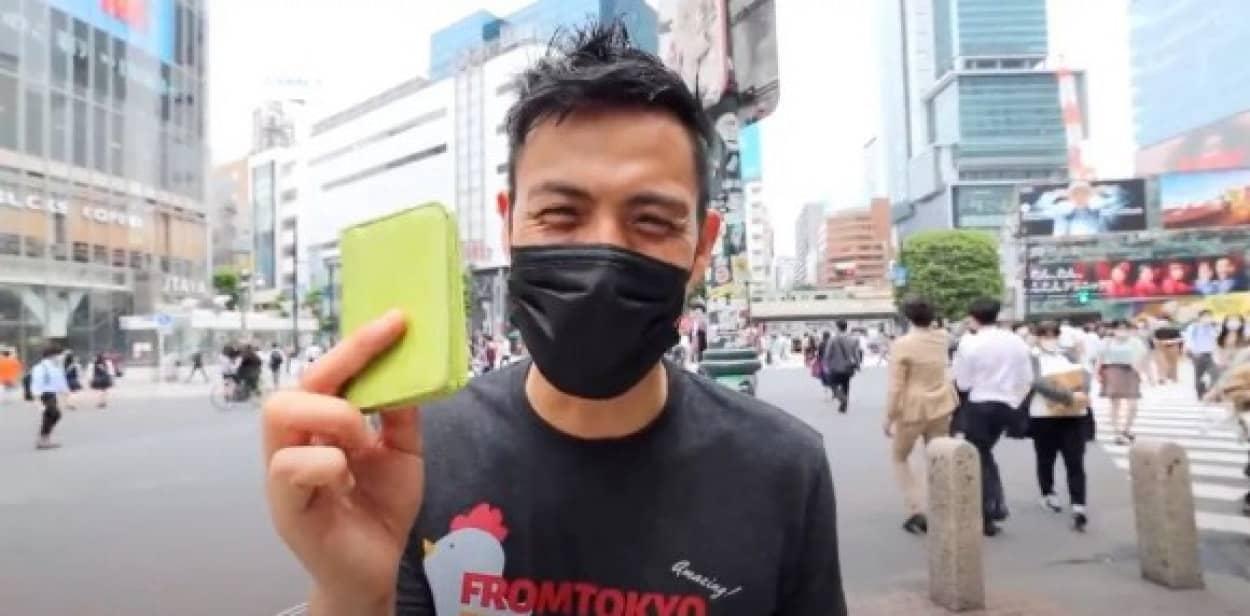 目の前で財布を落としたら東京の人はどう反応するのか?