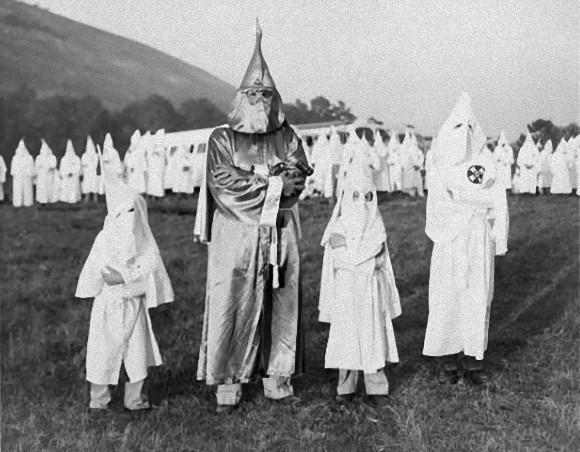 アメリカの秘密結社「KKK」が観...
