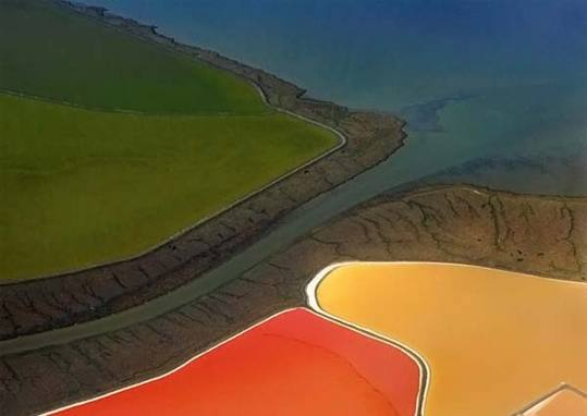 colored-salt-ponds-08