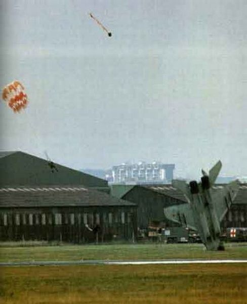 fascinating_pilots_ejections_640_15