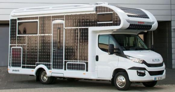 燃料や充電も不要!ソーラーパネルじゃけぇ。無敵の太陽光発電キャンピングカーが開発される(ドイツ)