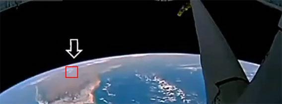 地球の上空にはこんなにもUFOが!?国際宇宙ステーションが撮影した怪しい物体映像コンピレーション