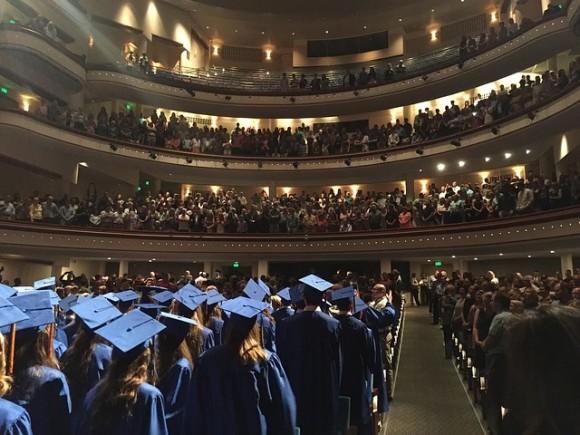 graduation-2394130_640_e