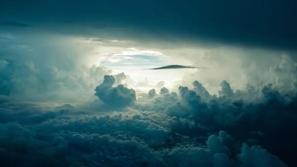 「我が国の雲が盗まれている」イランの将官、干ばつが続く理由はイスラエルが雲を盗んでいるからと記者会見で発言