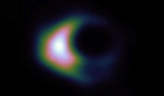 ブラックホールの正体が仮説上の天体、ボソン星の可能性を示唆