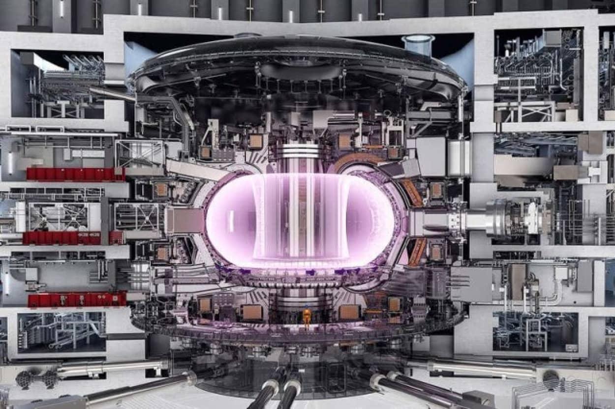 地球の磁場の28万倍、世界最強の磁石が核融合実験施設に搬入される(ITER)