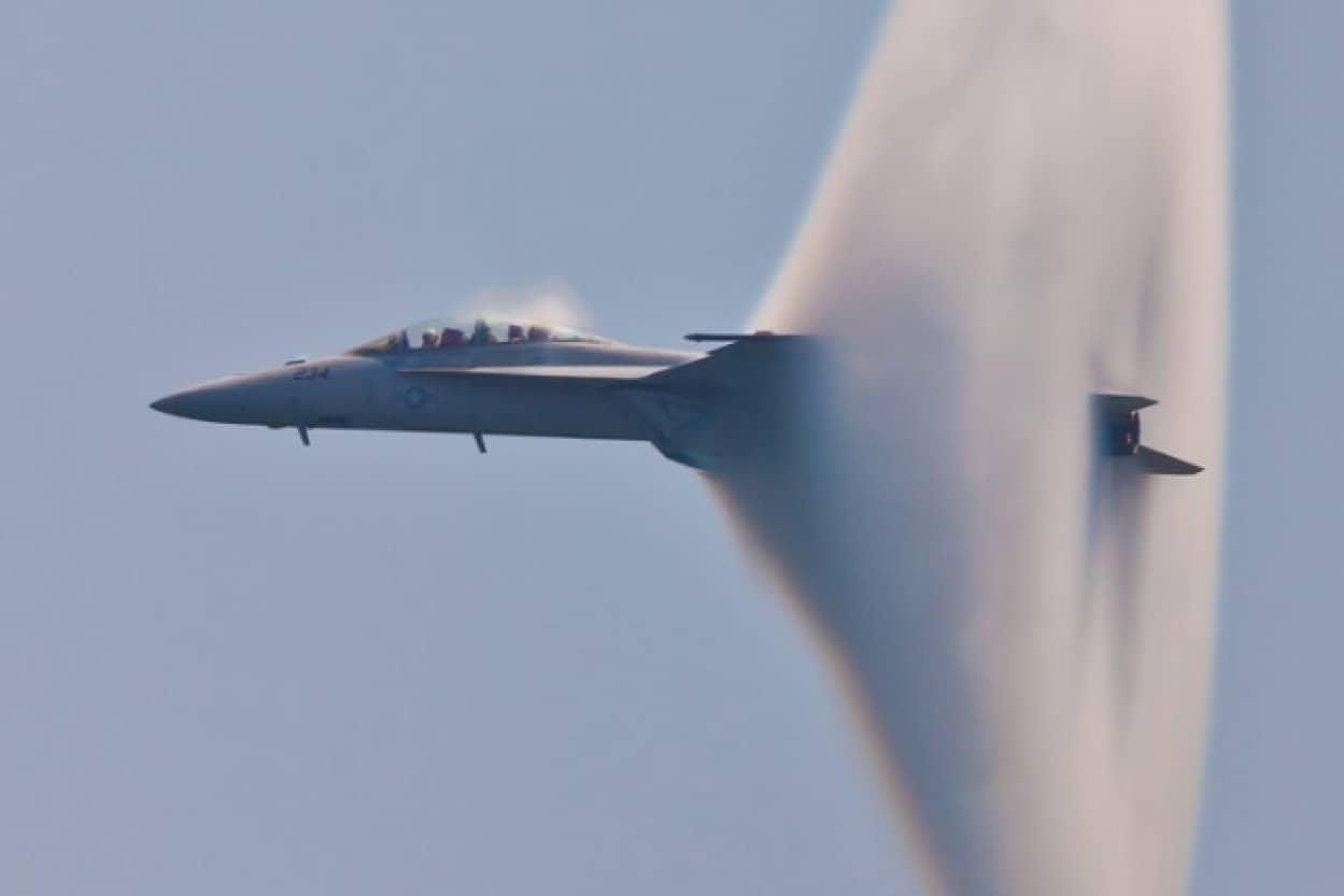 人類の技術では説明な困難な未確認飛行物体を目撃したとアメリカ元国家情報長官が語る