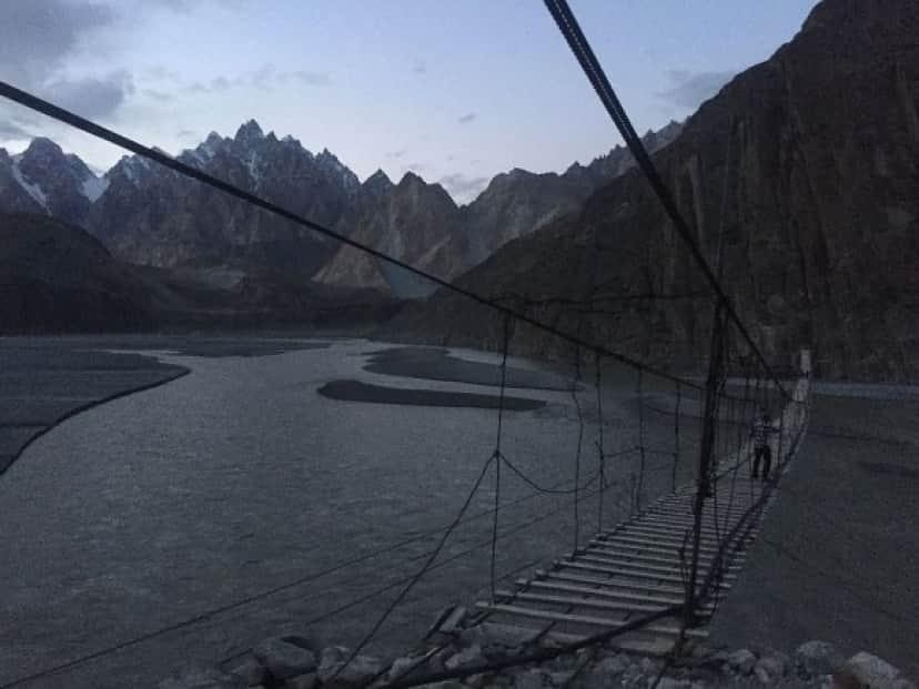 10Hussaini_Hanging_Bridge,_Hunza_Karimabad,_Pakistan_e