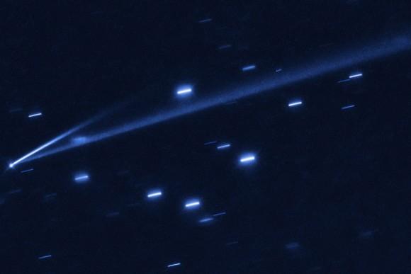 赤色から鮮烈な青色へ。2本の尾を持ち色も変わる奇想天外な小惑星「ゴールト」に天文学者が注目