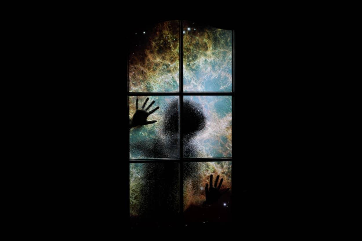 古い時代から幽霊の存在を証明しようと奮闘する人々の歴史