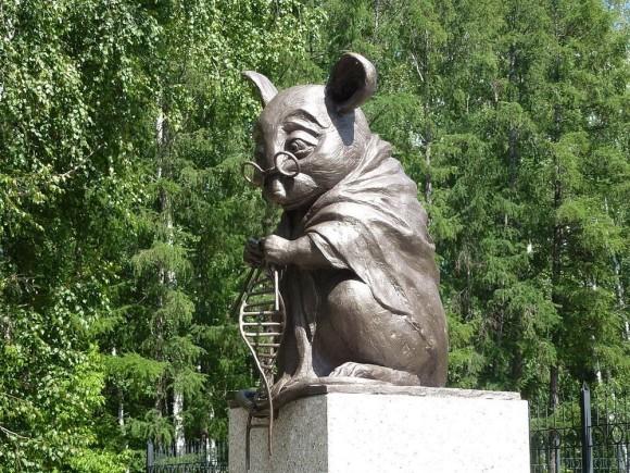 研究実験に使用された動物たちに敬意を表して建てられた世界7つの動物の銅像