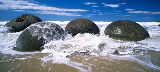 boulders_from_out_640_13