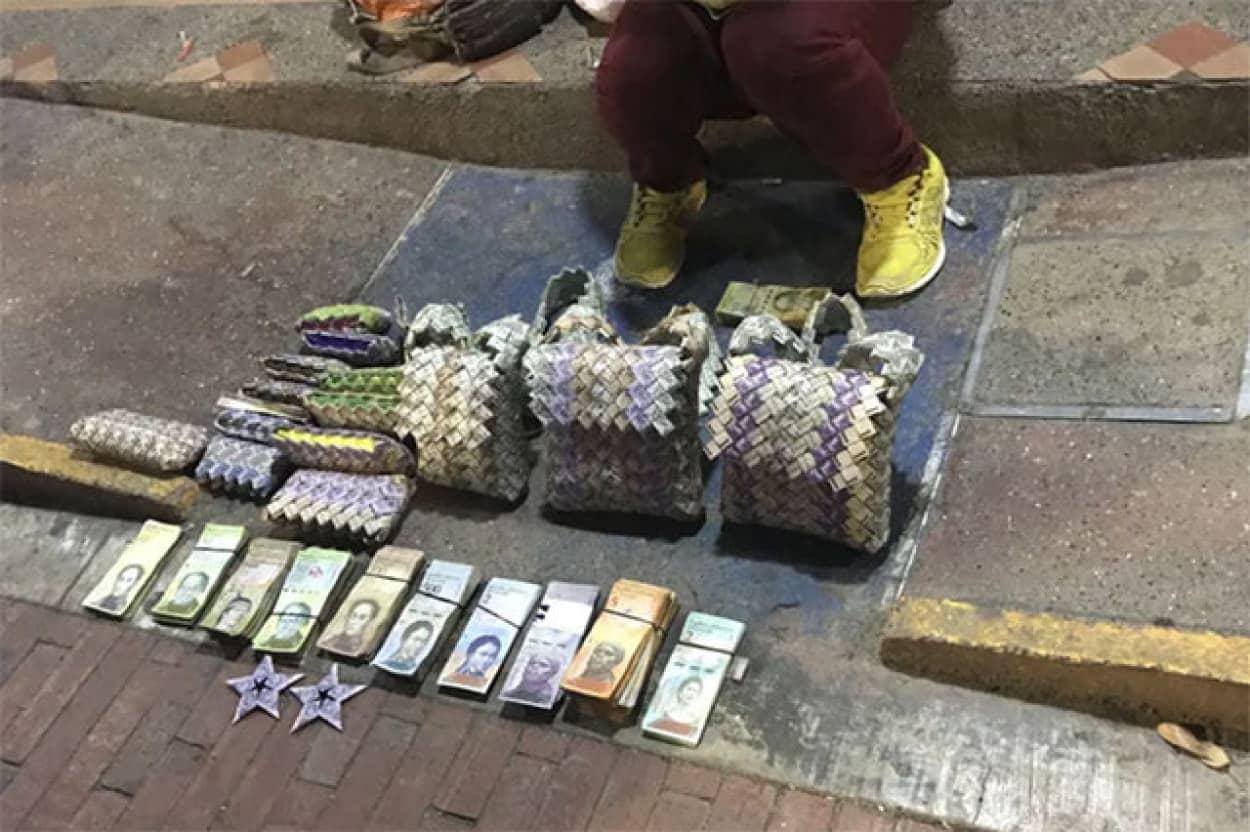 お札の価値は紙レベル、ベネズエラ紙幣で紙細工