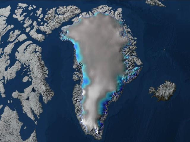 グリーンランドの氷床の地下から巨大な古代湖が発見される