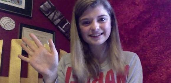 「みんな違って生まれてくるの」。ネット上にはびこるいじめに立ち上がった、生まれつき右手の指がない17歳の少女の物語