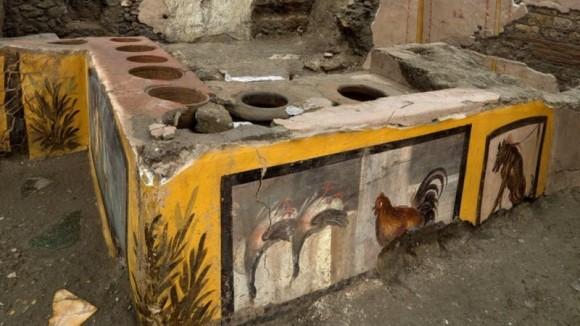 古代遺跡ポンペイから当時の屋台を発見!