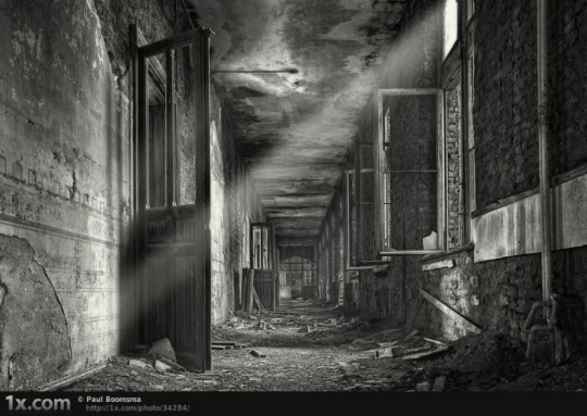 urban_decay_photography_06