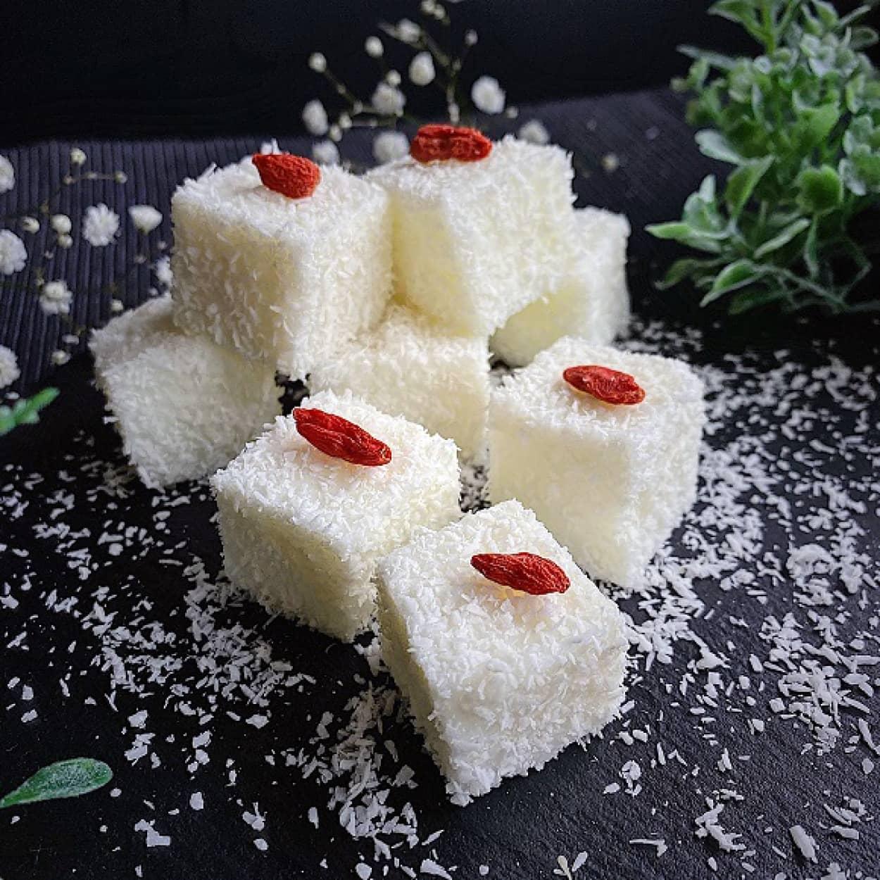 ココナッツミルクのぷるぷるスイーツ、台湾「風椰香雪花糕」の作り方