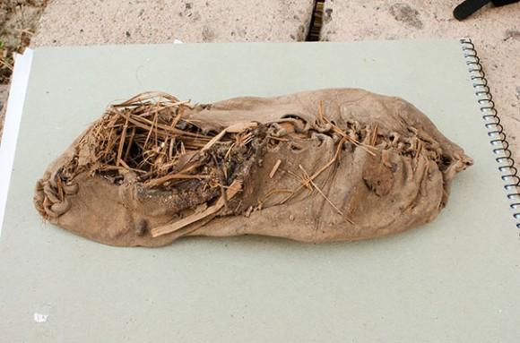 Картинки по запросу самая древняя обувь в мире