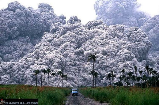 pinatubo-eruption-01