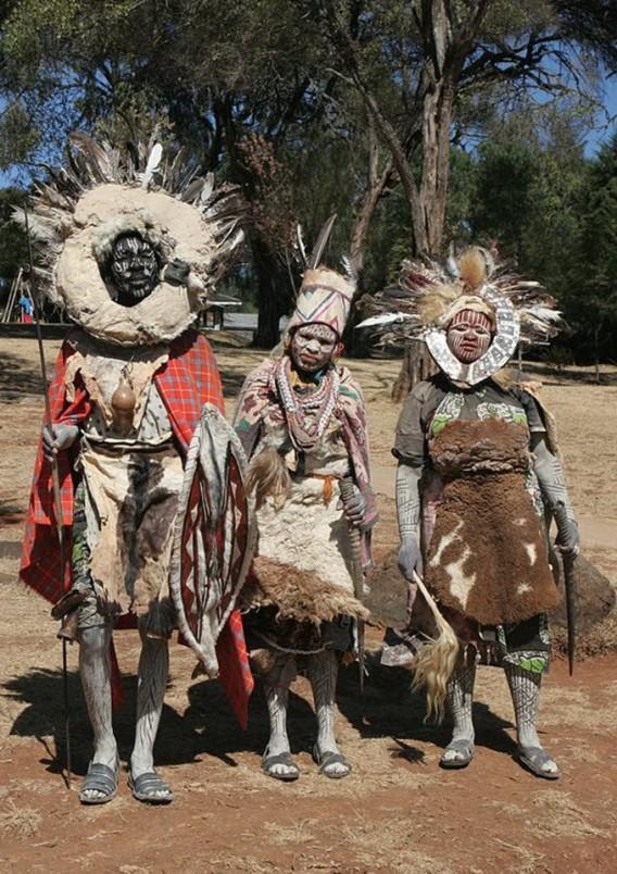 キクユ族 : アフリカ民族衣装の...