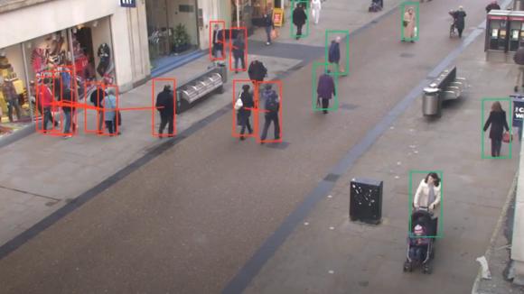 社会的距離を常にチェックしてくれるAI監視ツールが開発される(米研究)
