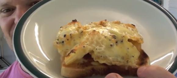 カロリー無限大だけどおいしそう。ポテトチップスメルとチーズパンの作り方