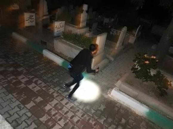 地元民騒然。墓地に5日連続で現れた泣き続ける少女の霊(トルコ)