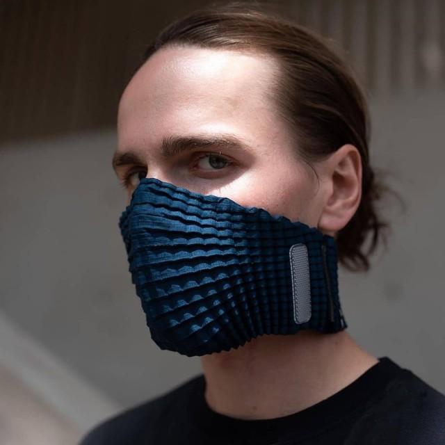久々に欲しいのキター!ペットボトルをリサイクル、デザイン性の高いギャザー入りフェイスマスクは再利用可能(イギリス)