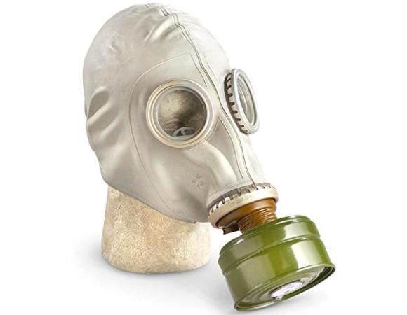 アメリカの通販サイト「Amazon」で、冷戦時代のソ連(現ロシア)のガスマスクが販売されている件