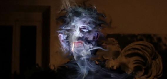 顔面崩壊、歪んで崩れていく顔を表現した映像、「悪夢の肖像画」