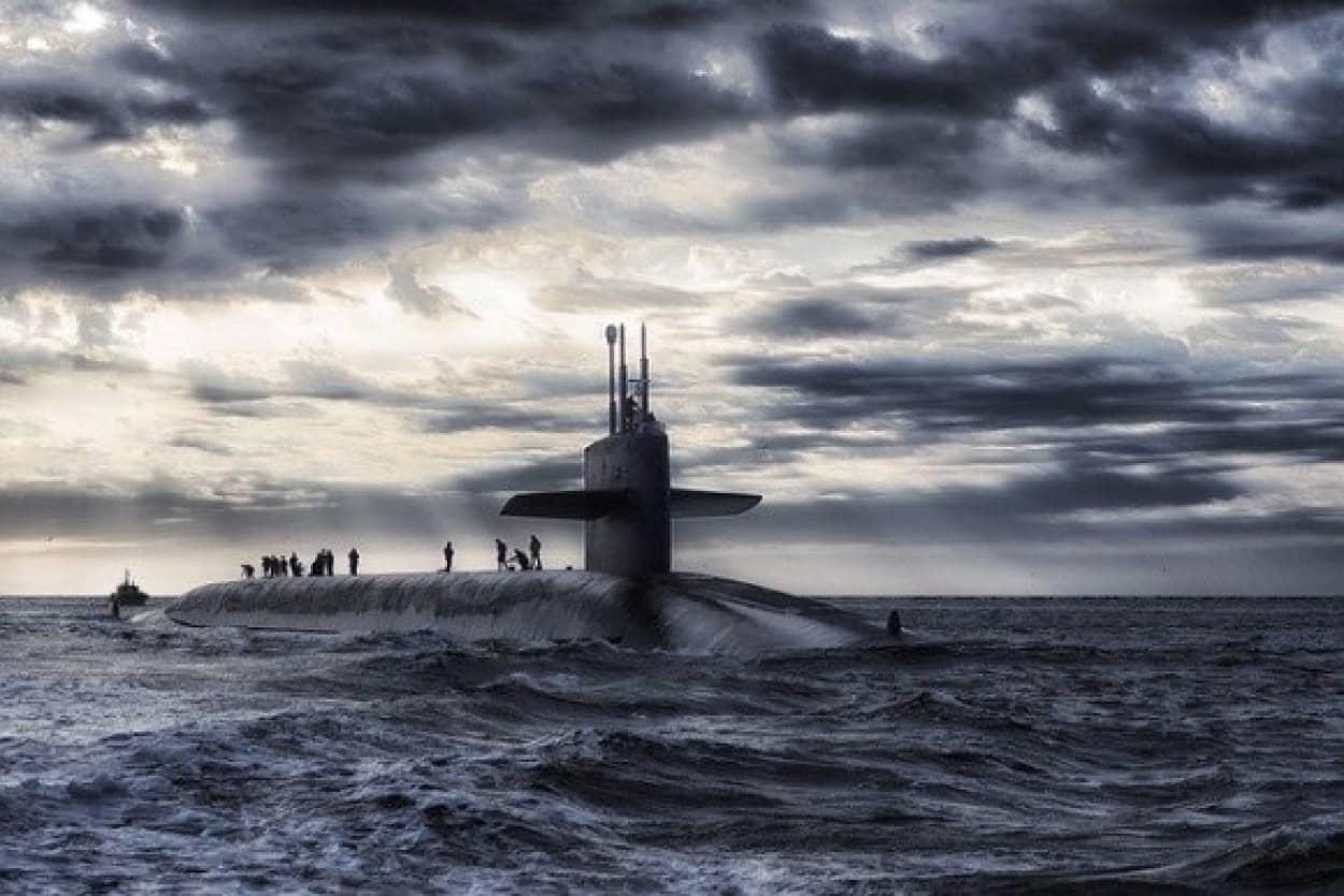 敵の潜水艦の正体はニシンのおなら