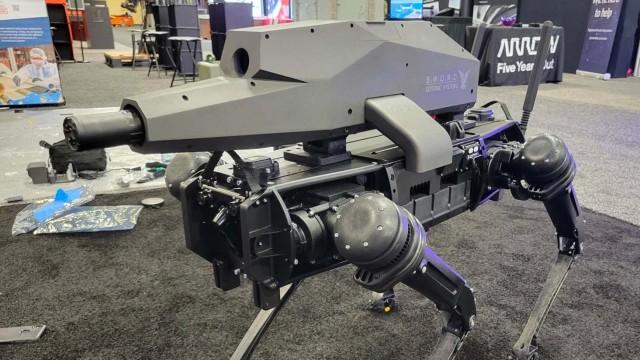 銃を装備したロボドッグがついに登場。ロボットが殺人兵器となる時代がついに来てしまった